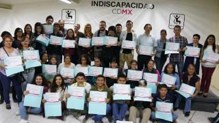 Entrega de reconocimientos al equipo participante den el Diccionario de Lengua de Señas Mexicana de la Ciudad de México en INDISCAPACIDAD CDMX